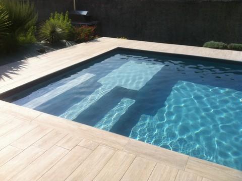 Piscine 7x3 perfect vente de piscines toulouse piscine for Piscine effet plage